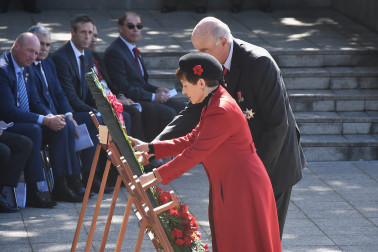 An image of Their Excellencies laying a wreath