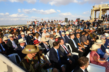an image of  the New Zealand commemorative service at Tel Be-er Sheva National Park