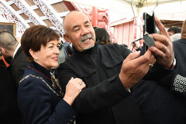 Image of Dame Patsy and Te Ururoa Flavell taking a selfie