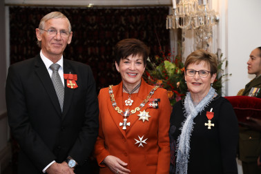 Mr Graeme William Gale, ONZM and Mrs Rosslyn Ann Gale, ONZM for services to aviation and conservation