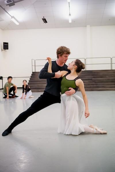 Image of RNZB dancers Madeleine Graham and Joseph Skelton rehearsinge