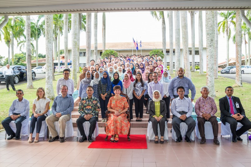 an image of Group photo at KYS school