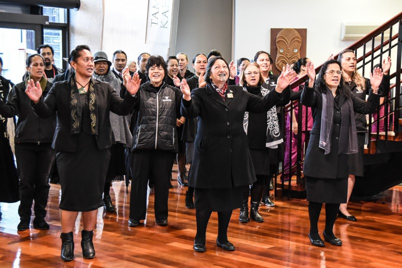 Image of students and staff singing at Te Whare Wānanga o Awanuiārangi