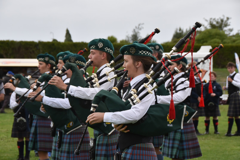 Image of pipers ready to march on