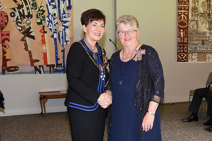 An image of Dame Patsy and Miss Ann Muir, of Whangarei, QSM for services to bowls and the community