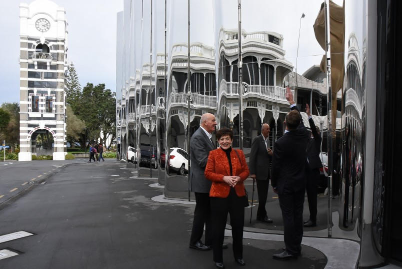 An image of Dame Patsy and Sir David outside the Len Lye Centre
