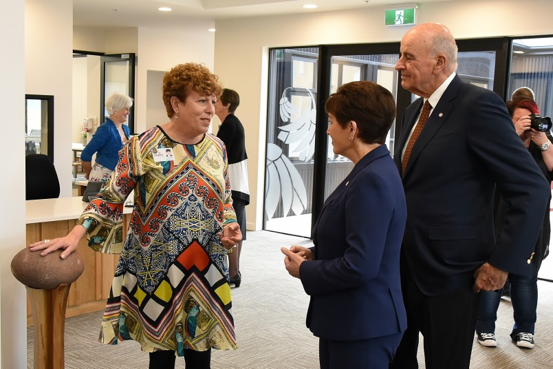 Image of North Shore Hospice Trust CE Jan Nichols talking to Dame Patsy and Sir David about Te Kahukura