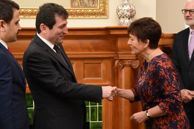 an image of Dame Patsy meeting HE Mr Orhan Tavli, Governor of Canakkale