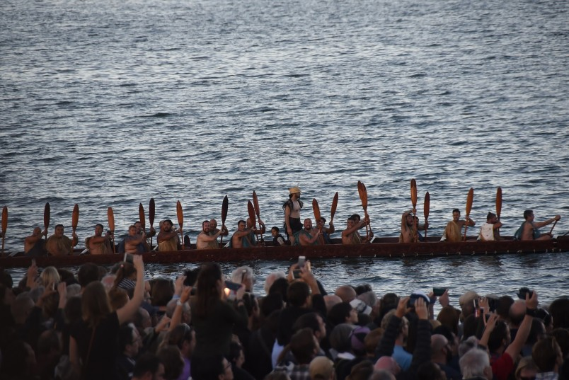 an image of the waka crew and some of the thousands of spectators