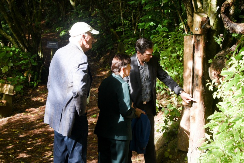 Image of Dame Patsy and Sir David checking out a weta hotel