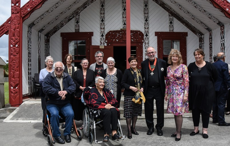 Dame Patsy with Sir Kim Workman's extended whanau