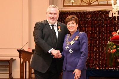 An image of Mr Simon O'Neill, ONZM of Auckland, for services to opera.