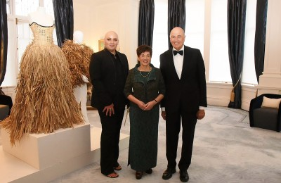 Image of Dame Patsy and Sir David with Lindah Lepou