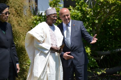 Image of HE Mr Bello Kazaure Husseini, High Commissioner of Nigeria and kaumatua Prof Piri Sciascia