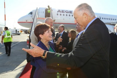 an image of Dame Patsy meeting Gad Propper, New Zealand Honorary Consul to New Zealand at Ben Gurian Airport