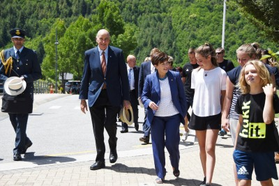 an image of Their Excellencies arriving at Arrowtown School