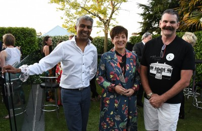 Image of Dame Patsy with Franklin Road resident Robert Khan and Franklin Road lights organiser Ross Thorby