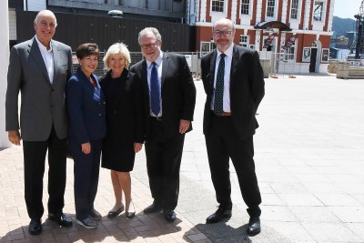 Image of Dame Patsy and Sir David with Dayle, Lady Mace, Te Papa Foundation Board of Trustees Co-Chair; Evan Williams, Chair of Te Papa Board; and Geraint Martin, Chief Executive of Te Papa.