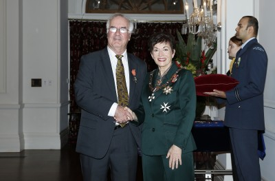 Image of Dame Patsy and Emeritus Professor John Hearnshaw