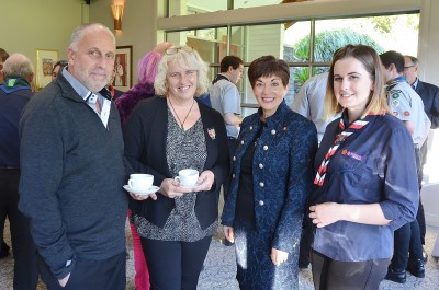 Image of Dame Patsy Reddy with Sophia Humphries and parents