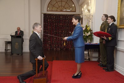Image of The Right Honourable Sir Simon William English, of Wellington, KNZM, for services to the State