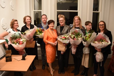 an image of Dame Patsy with Wallace Art Awards winners
