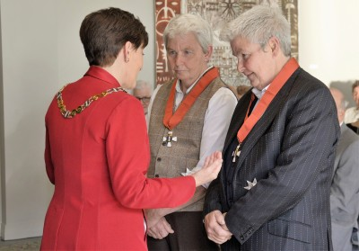 Image of Dame Jools Topp, of Helensville, and Dame Lynda Topp of Ashburton, DNZM, for services to entertainment