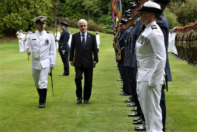 an image of President Pinera inspecting the Guard of Honour