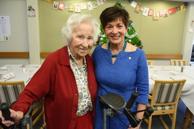 Image of Dame Patsy with Te Hopai resident Marjorie Walton