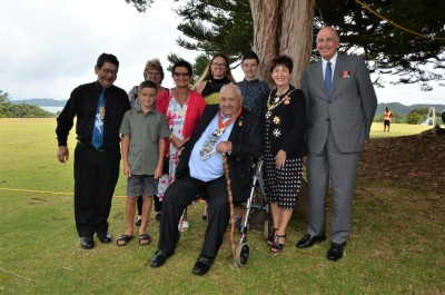 an image of Dame Patsy and Sir David with SIr Hec Busby and his whanau