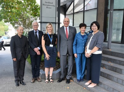 Image of Dame Patsy and Sir David with Distinguished Professor Peter Hunter, Professor Merryn Tawhai, Dr Diana Siew and Jack Yin.