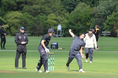 Image of a bowler at the NZ Maori Schools XI vs Governor General's XI