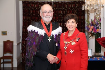 Image of Dame Patsy with Sir Kim Workman, of Levin, KNZM, for services to prisoner welfare and the justice sector