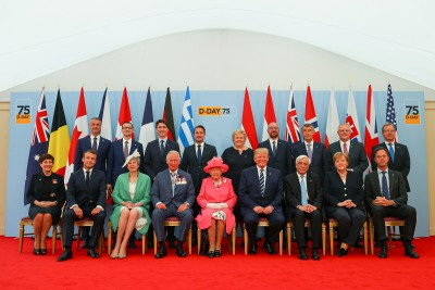 Image of the leaders attending the commemorations