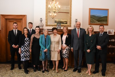 Image of Dame Patsy, Sir David, Felicity Gapes and family