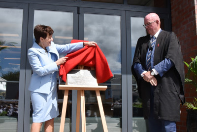 Image of Dame Patsy and Graham Yule unveiling the plaque