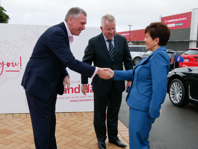 Dame Patsy meets Richard Stone and Mark Johnston of Life Flight