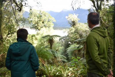 Image of Dame Patsy and DOC staff on the Hokitika Gorge