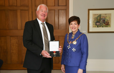 Mr Rex Crowther, of Auckland, ONZM for services to the motor vehicle industry