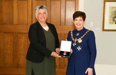 Ms Penny Hulse, of Auckland, MNZM for services to local government.