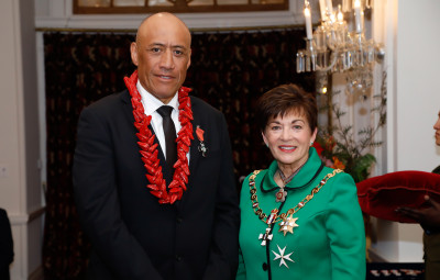 Mr Christopher Te'o, of Porirua, MNZM for services to health, cycling and the Pacific community