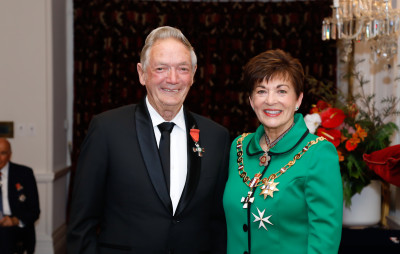 Mr Robert Webb, of Whangarei, MNZM for services to wildlife conservation