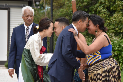 HE Mr Sang-jin Lee and Mrs Youngmi Choi greeted with a hongi