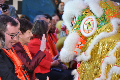 Dame Patsy Reddy, Sir David Gascoigne and Hon Grant Robertson with the Lion Dance