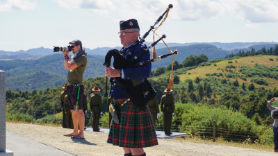 Image of Stewart Hobson, Auckland Police Pipe band playing a lament