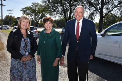 Their Excellencies meeting Robyn Morris, Manager of the Community Networking Trust