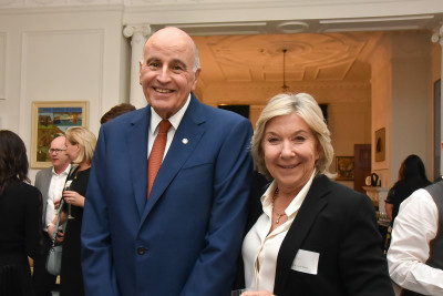 Sir David and Dayle, Lady Mace, the Chair of Te Papa Foundation
