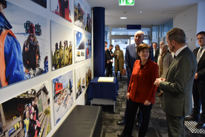 An image of Dame Patsy being briefed by Kim Ellis, Director Australian Antarctic Division