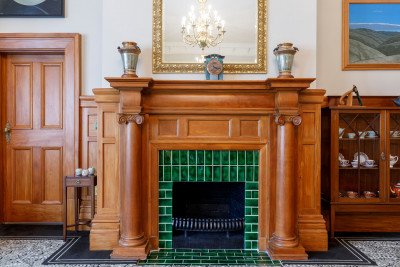 Image of the fireplace in the Liverpool Room