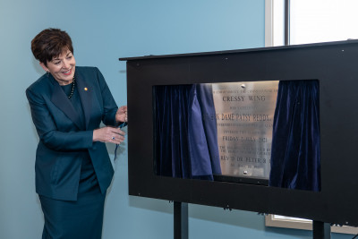 Dame Patsy unveiling the plaque for the Cressy Wing
